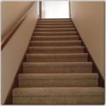 Заказать услугу по укладке ковролина на лестницу